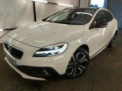Volvo V40 CROSS COUNTRY 2.0 D2 Oversta Edition / PACK CITY SENSUS FEUX LED