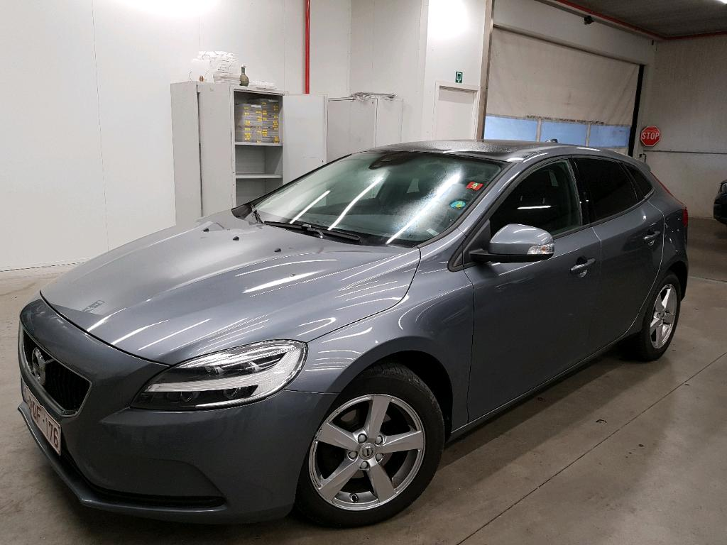 Volvo V40 D2 120PK Kinetic Pack Style & Light & Professional & Pano Roof