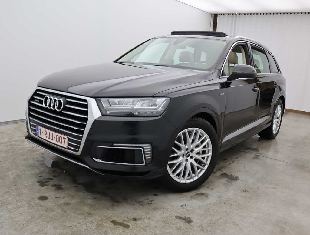 Audi Q7 e-tron 3.0 TDI Tiptronic Quattro 5d Hybrid Adaptive air sport suspension Pano Sunroof Head-up Display Virtual cockpit total options 13