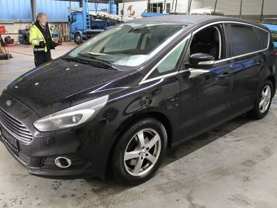 Ford S-max titanium 2.0 TDCI 132KW AT6 E6