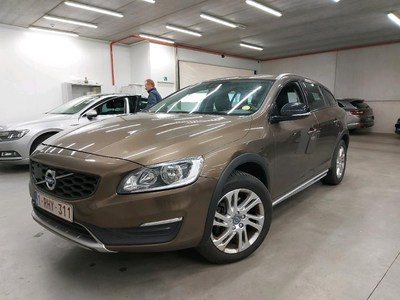 Volvo V60 cross country V60 CROSS COUNTRY D3 150PK MOMENTUM Pack Professional & Winter & IntelliSafe Pro & Electric SunRoof