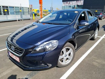Volvo V40 V40 D2 120PK KINETIC Pack Professional & Style & Leather & Winter & Park Assist Pilot & Pano Roof