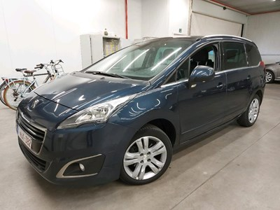 Peugeot 5008 5008 BLUEHDI 116PK Allure Pack Parking Distance Sensors Front & Parking Assistance & Rear View Camera & Connect NAV & Connect SO