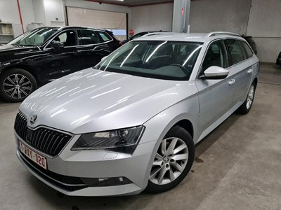 Skoda Superb combi SUPERB COMBI TDI 120PK STYLE With Rear Cam