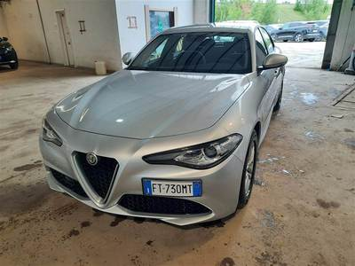 Alfa Romeo giulia 2016 / 4P / BERLINA 22 TURBO AT8 136CV BUSINESS