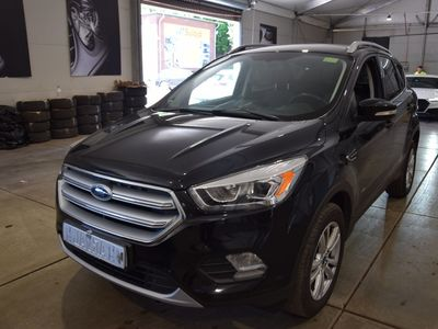 Ford Kuga business edition 2.0 TDCI 4x4 110KW MT6 E6