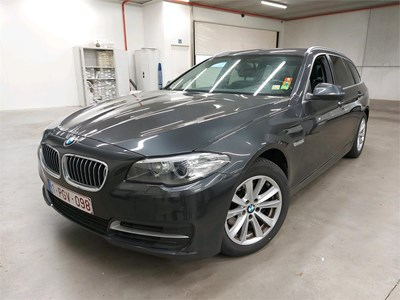 BMW 5 touring 5 TOURING 518dA 136PK Pack Exclusive With Park Assist & Rear Cam