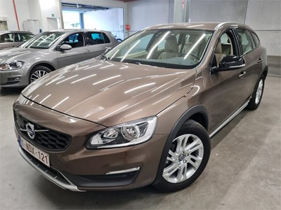 Volvo V60 cross country V60 CROSS COUNTRY D3 150PK SUMMUM Pack Professional & Winter