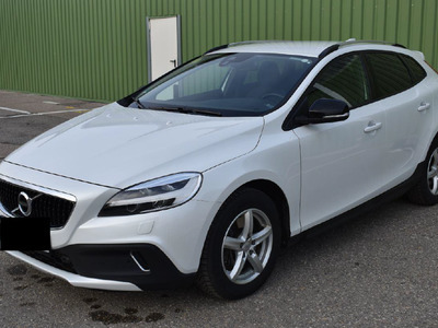 Volvo V40 cross country plus AWD 20 140KW AT8 E6