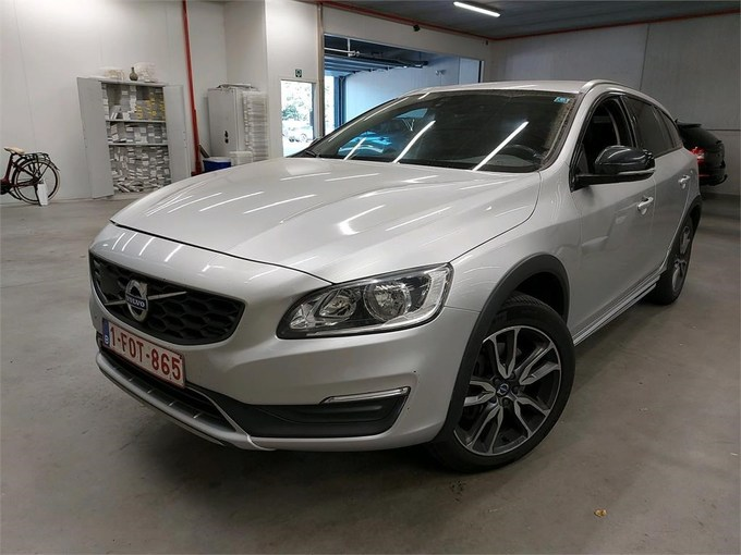 Volvo V60 V60 CROSS COUNTRY D3 150PK Geartronic Cross Country Plus Pack Professional & Select Leather Sport Seats & Winter Pack