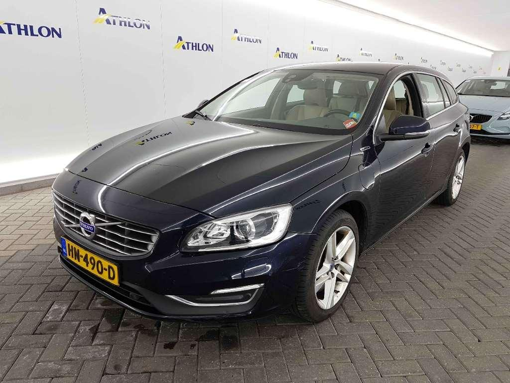 VOLVO V60 D6 AWD Geartr. Twin Engine Summum 5D 212kW
