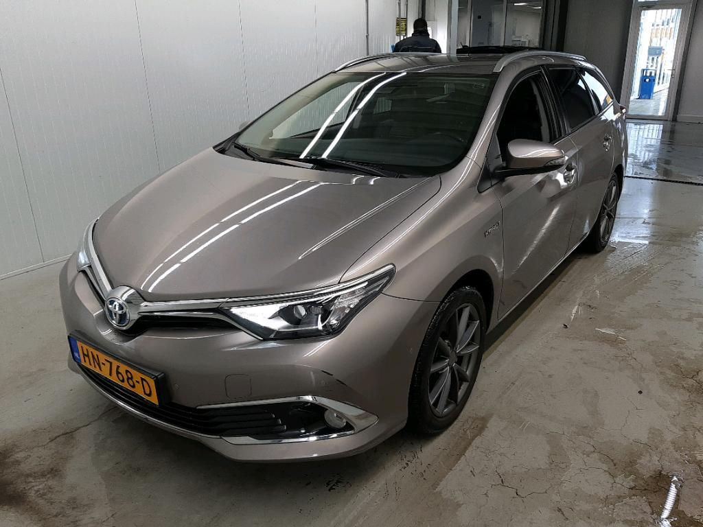 TOYOTA Auris 1.8 HYBRID 100KW LEASE EXCLUSIVE TOURING S..