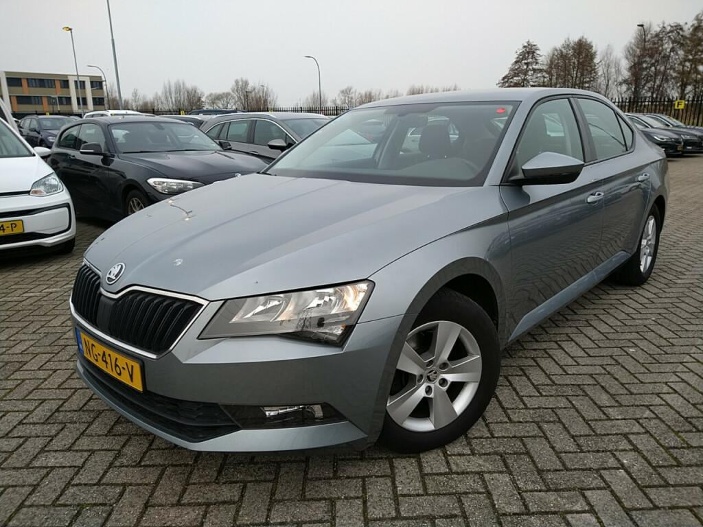 SKODA Superb 1.4tsi greentech business acti