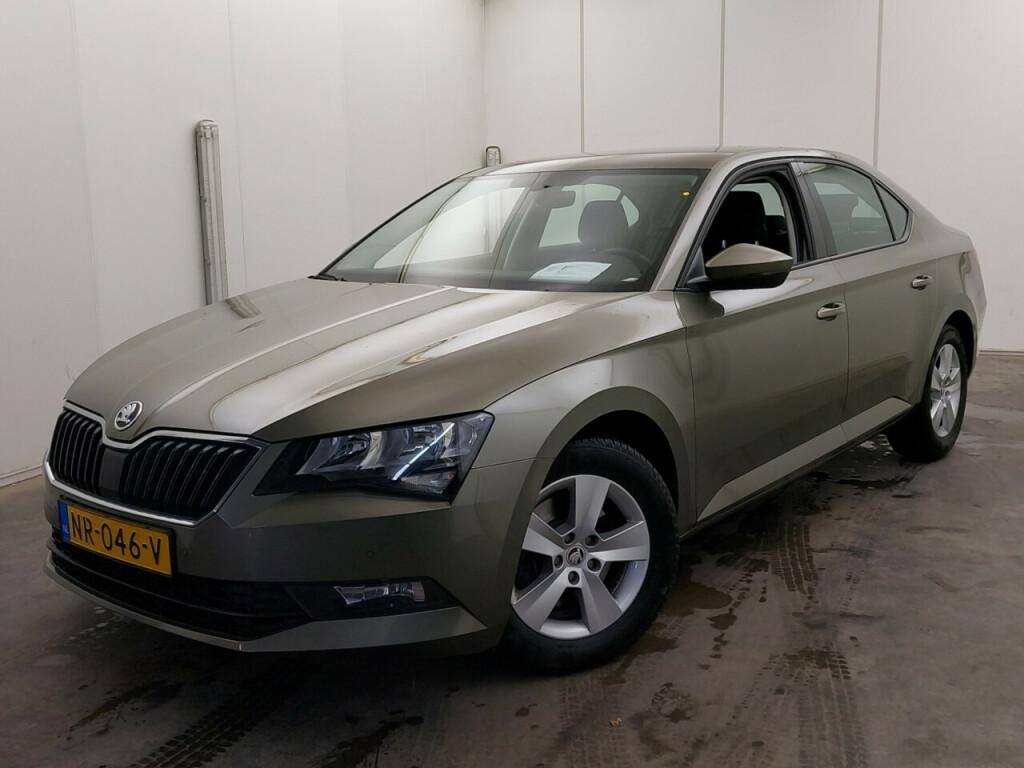 SKODA Superb 1.6tdi greentech business act